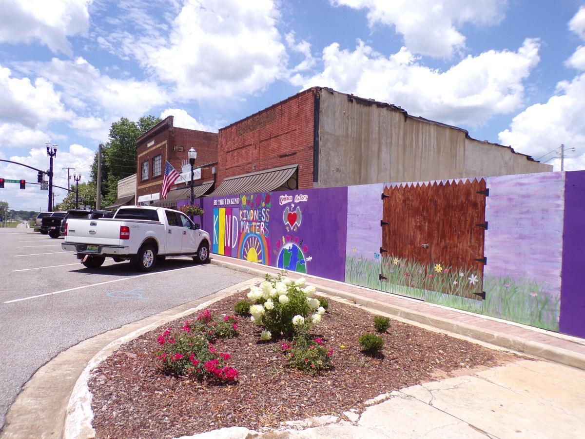 Moulton community mural adds new artwork