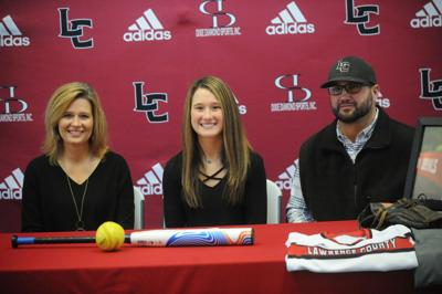 Thompson signs with UAH