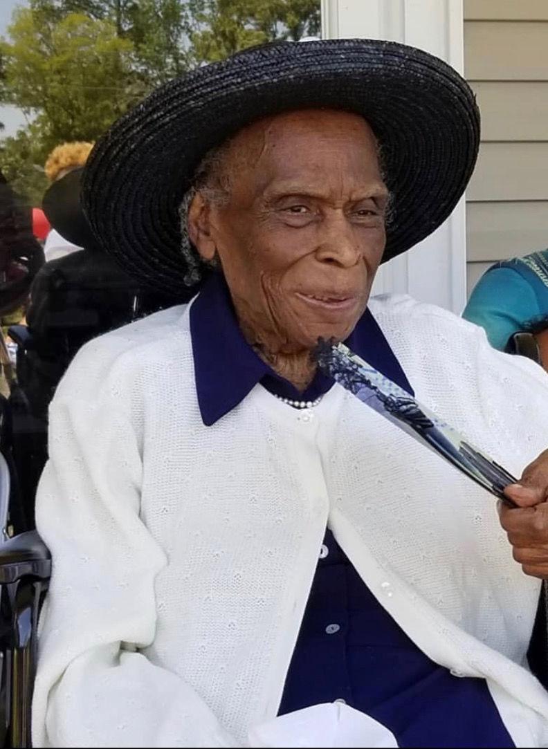 Hillsboro woman celebrates 100th birthday with parade