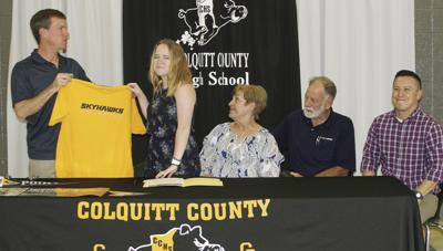 Avery to swim at Point University