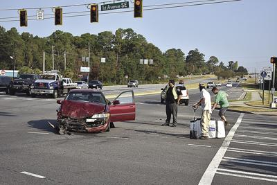 Police say no one hurt in wreck