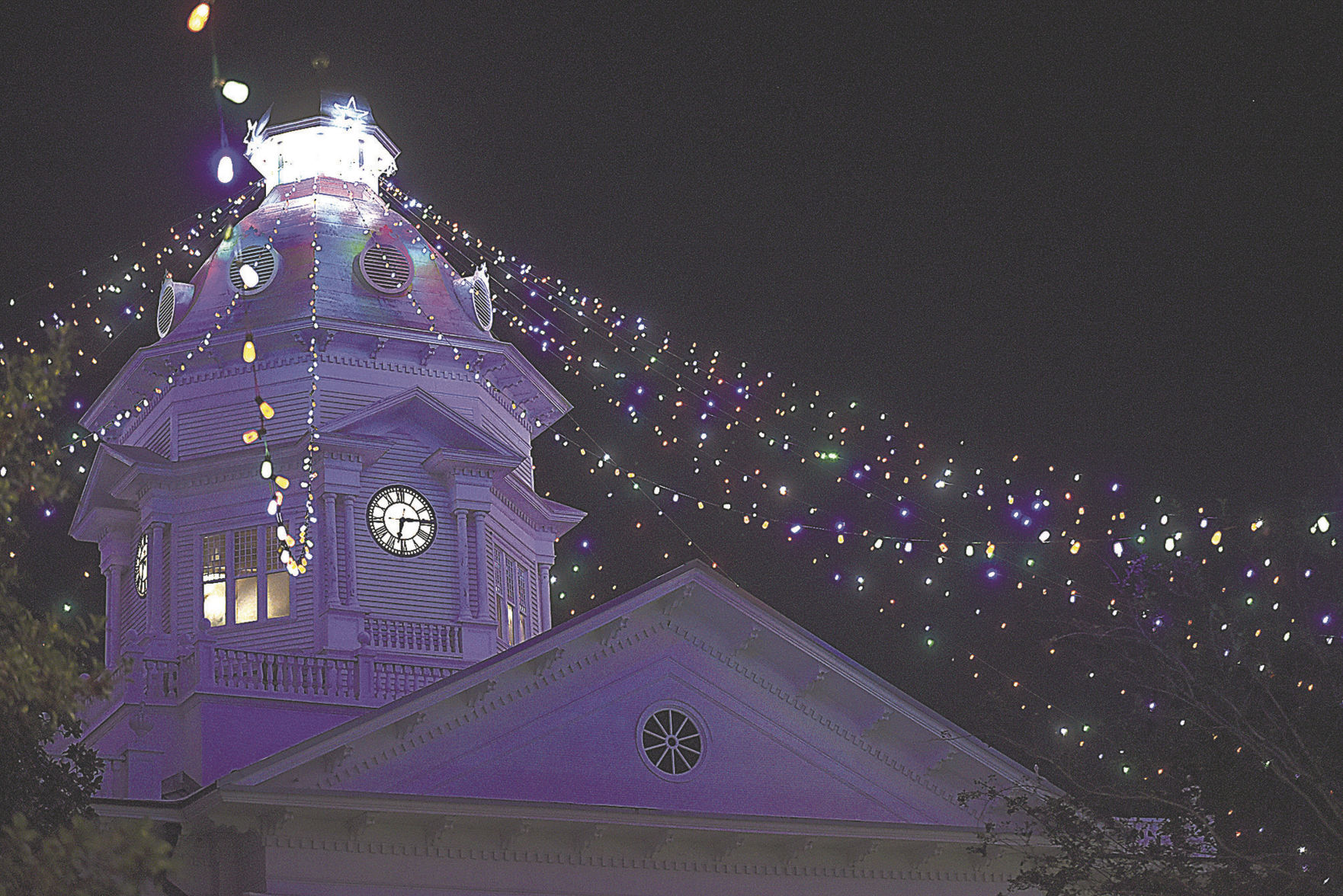 Canopy of Lights & Moultrie celebrates new Christmas lights | Local News ...