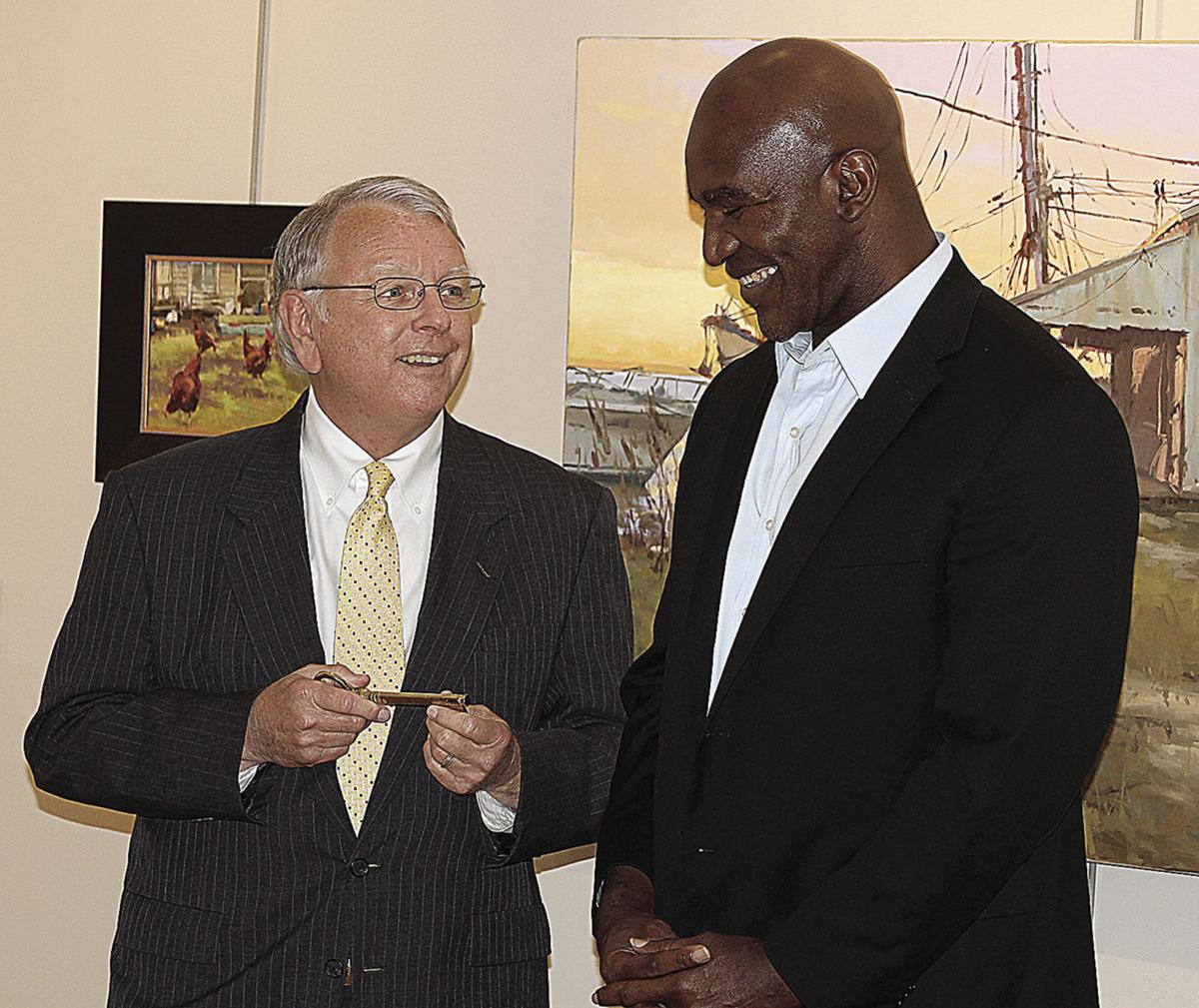 Evander Holyfield receives key to the city