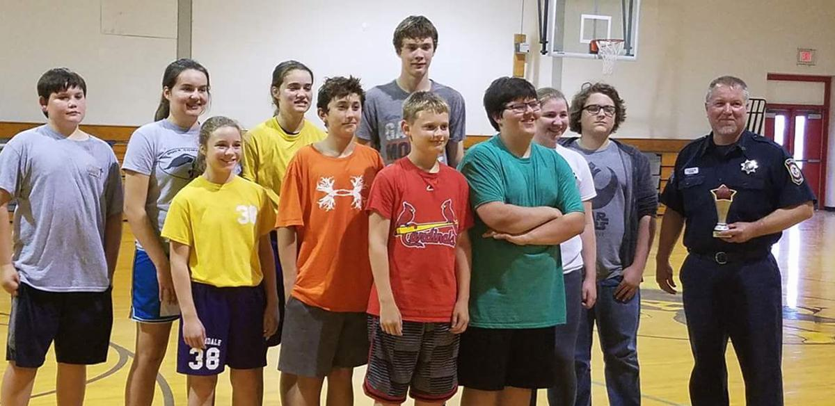 MIDDLE SCHOOL BASKETBALL: Yellow Jackets honor Coach Cashburn