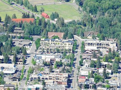 21-06-23 ketchum Sun Valley View 2 Roland.jpg
