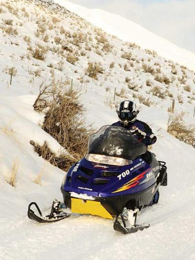 15-02-04-snowmobile-color.jpg