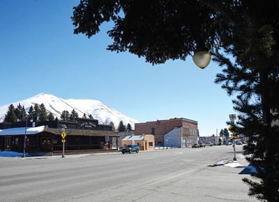 Bellevue, Main Street, Winter