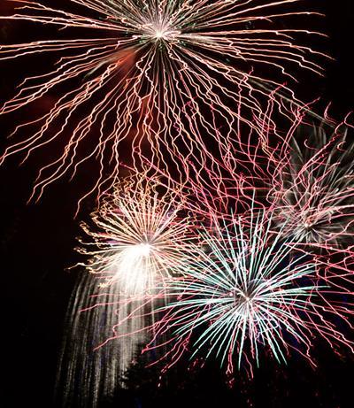 19-07-10 Fireworks 4 Roland.jpg