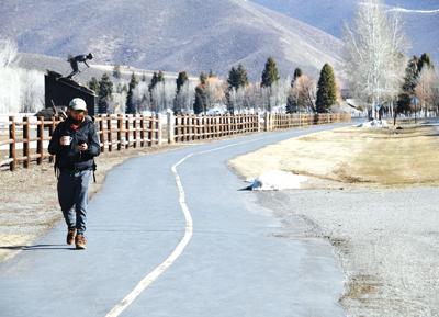 21-03-31 Sun Valley Bike path 1 Roland.jpg