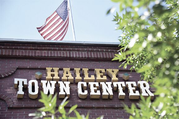 Hailey, Mask caption