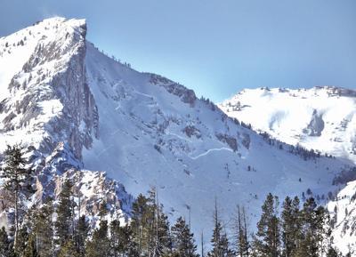 21-01-15 Crooked Creek Avalanche@.jpg
