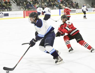 20-02-12 Sun Valley Suns Hockey 9 Roland.jpg