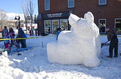 Hailey Ice Carving Bear