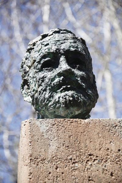 Hemingway bust