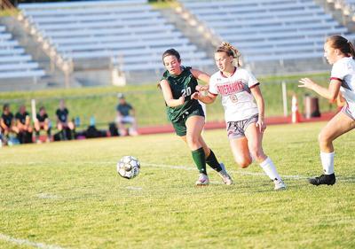 21-09-10 WRHS girls soccer 3.jpg