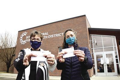 21-03-31 Covid-19 Vaccine Health District Bellevue 12 Roland.jpg