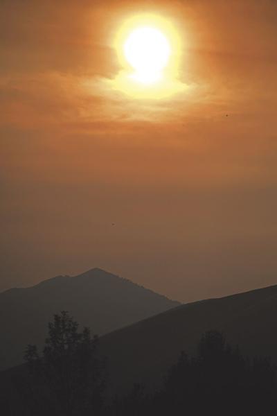20-09-16 Hailey smoke sunset 1 Roland WF.jpg