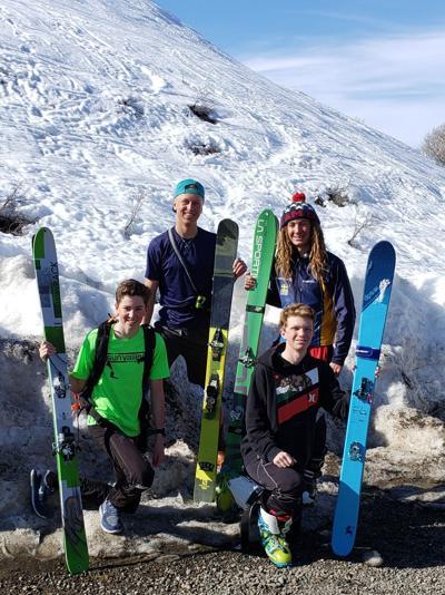 Skiers tackle Della Mountain