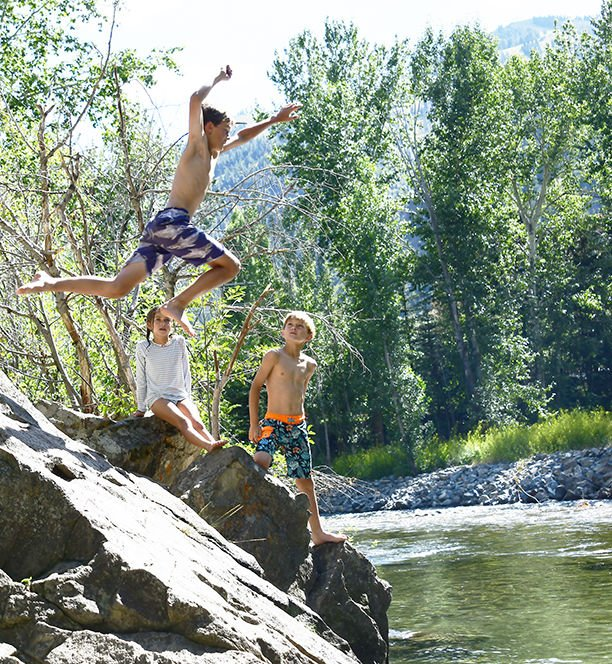19-08-07 Bigwood River Fun 2 crop Roland E.jpg
