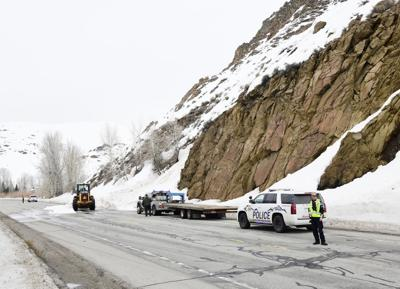 Avalanche covers Highway 75