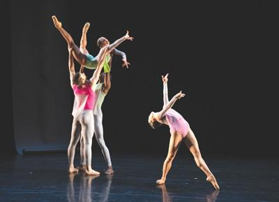 21-05-12 Ballet 1@.jpg