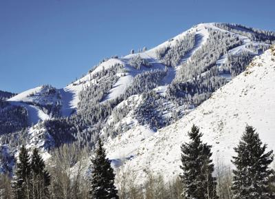 19-11-22 Baldy Snow5 Roland WF.jpg