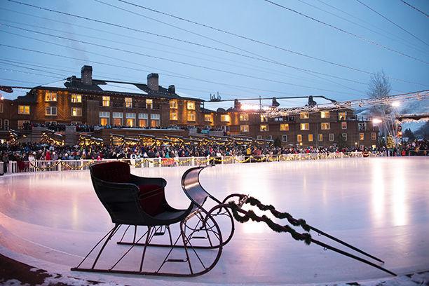 18-12-28 Christmas Eve Ice Show 3 Roland.jpg