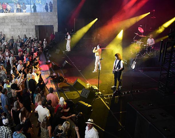 19-07-03 Queen Tribute Concert 7 Roland.jpg