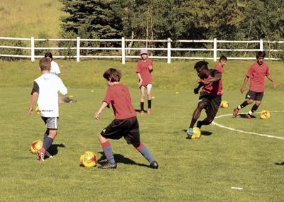 21-04-14 KIDS soccer camp