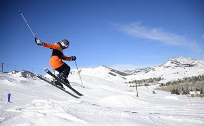 Skiing Dollar