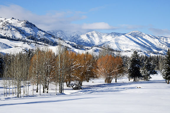 19-12-04  Snow Mountains 2 Roland.jpg