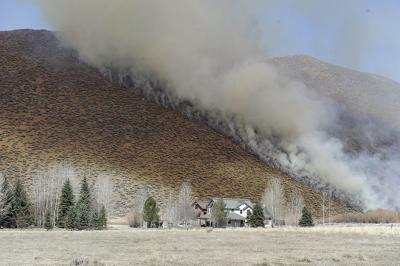21-04-14 Indian Creek fire 3.jpg