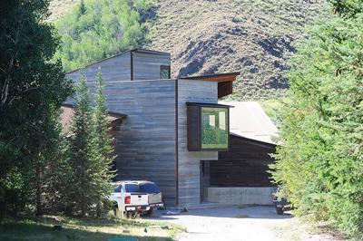 20-07-17 Lake Creek house 2.jpg