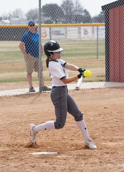 21-04-07 softball@.jpg