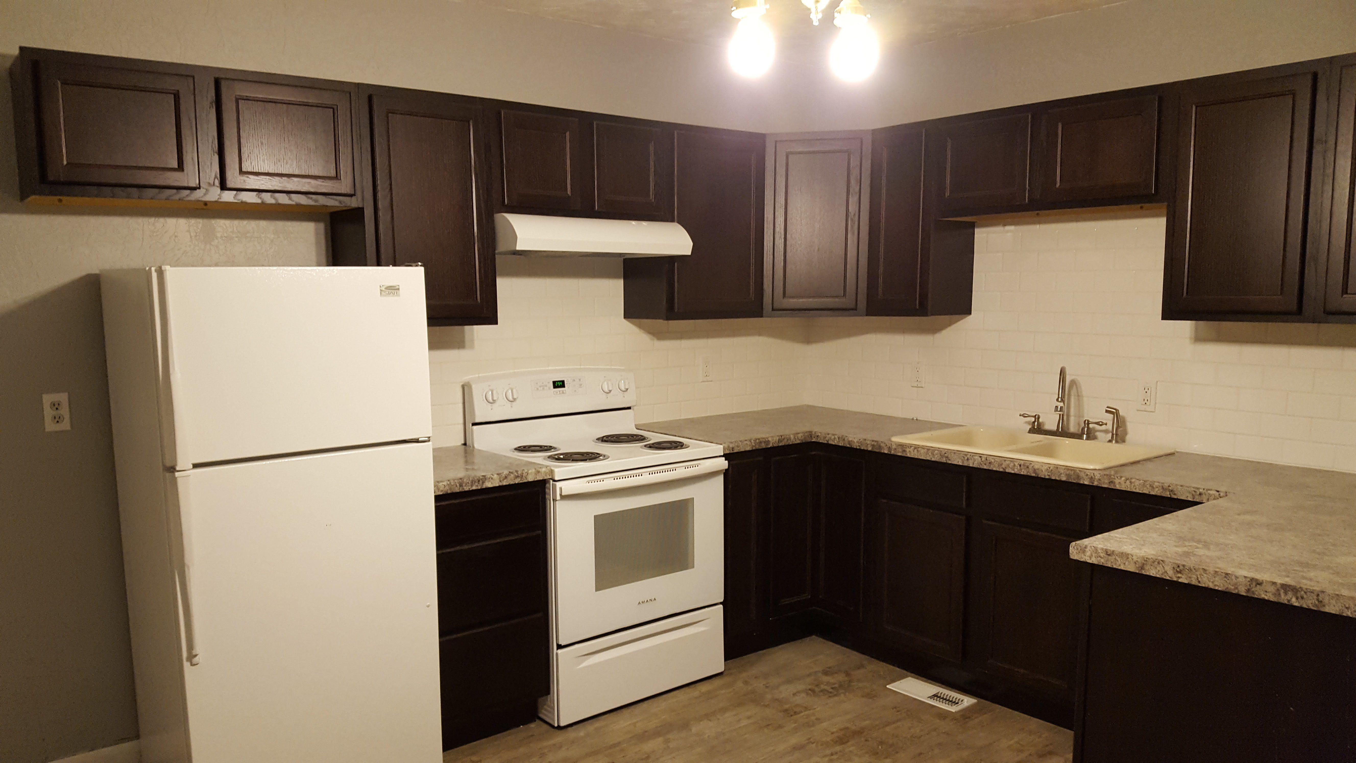Spacious 2 bed 1 bath newly remodeled duplex for Rent $675/month image 1