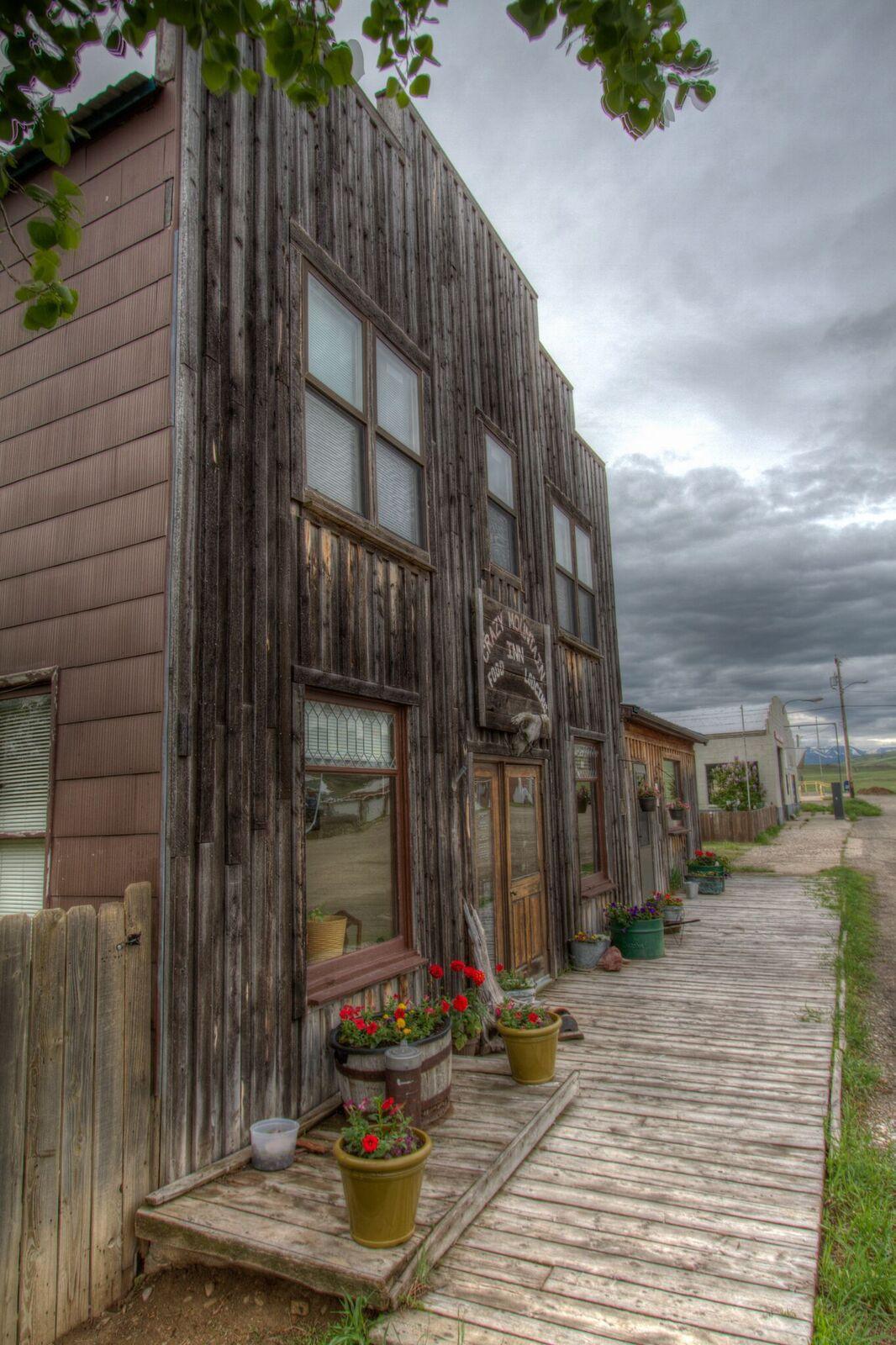 Crazy Mountain Inn exterior