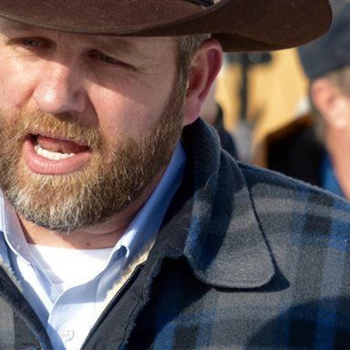 Oregon sheriff says refuge occupiers trying to overthrow