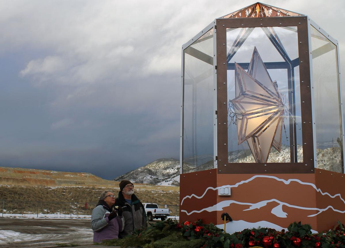 Butte residents brave rain to catch a glimpse of the star