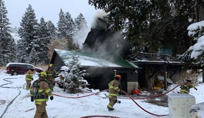 Fire sweeps through house near East Ridge