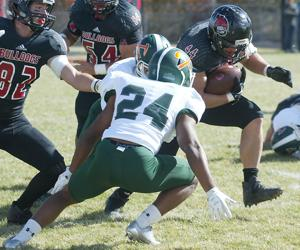 Montana Western overcomes early deficit, stuns No. 5 Montana Tech 42-35