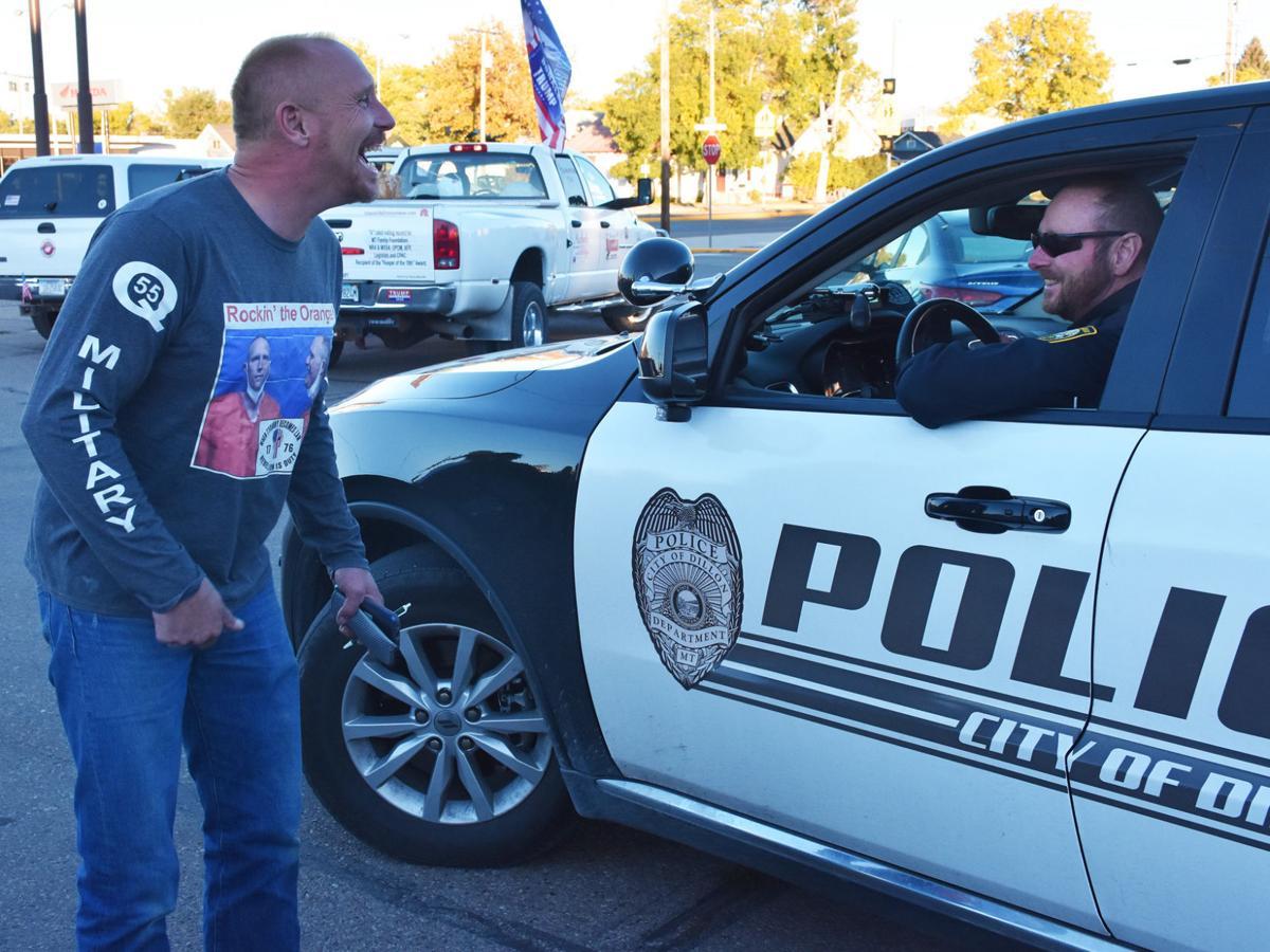 Muntzer jokes with Dillon cop