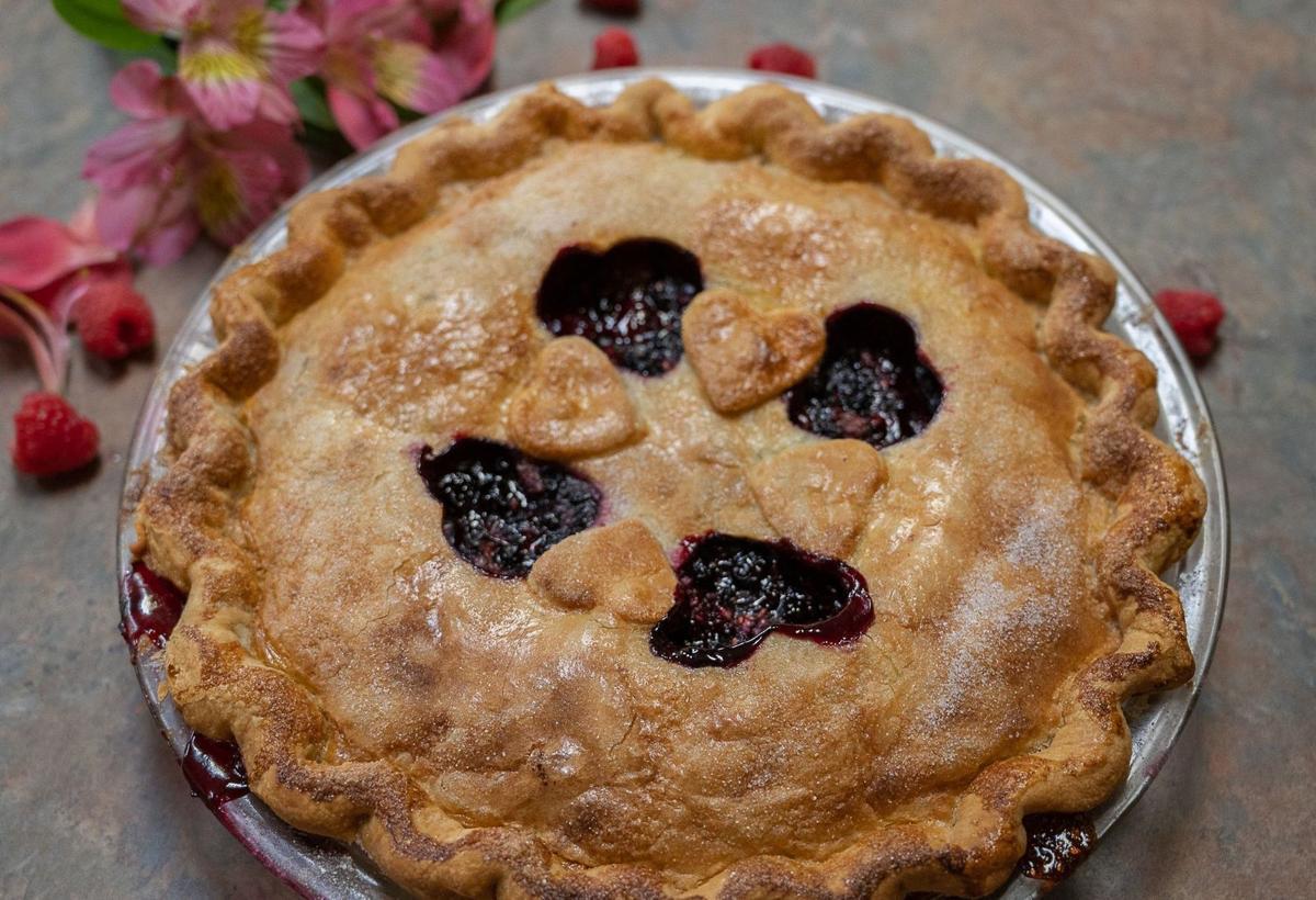 Huckleberry-Raspberry Pie