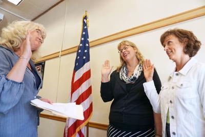 School board trustees sworn in