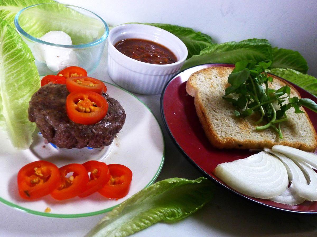 Ari burger.jpg