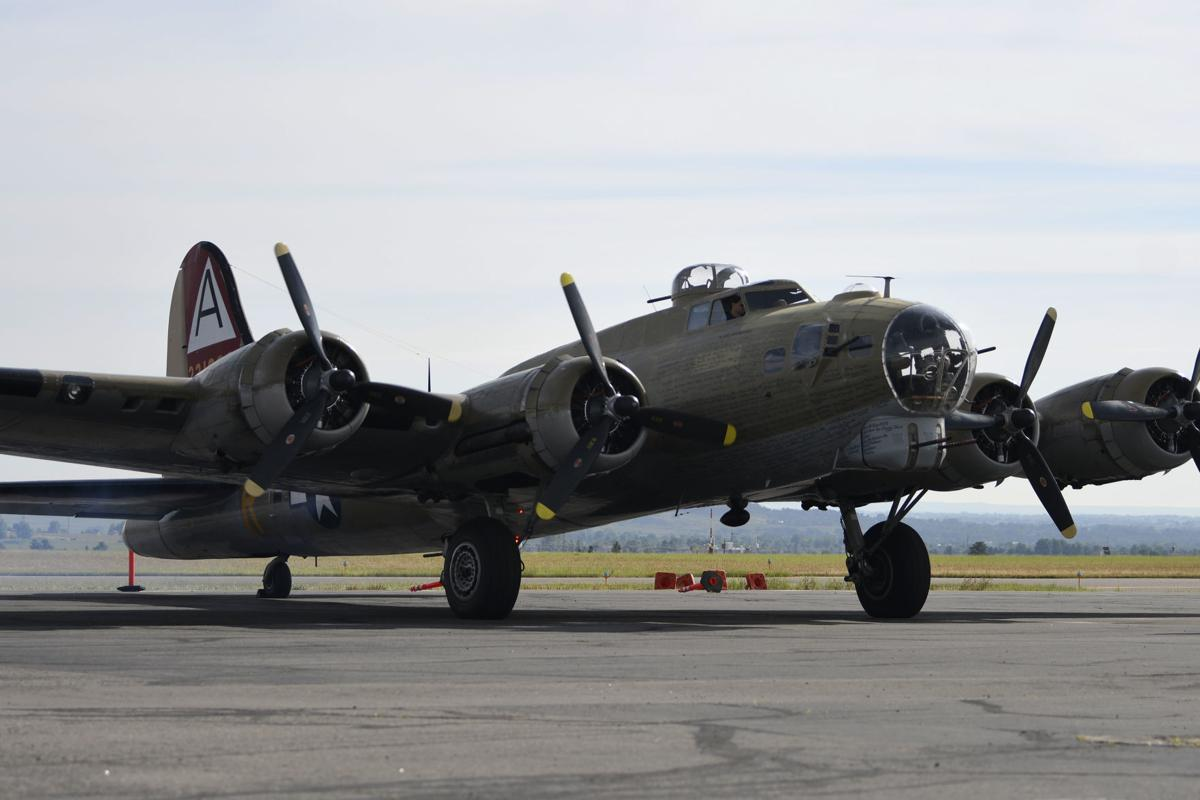 """Boeing B-17 Flying Fortress """"Nine O Nine"""" takes locals for a ride"""
