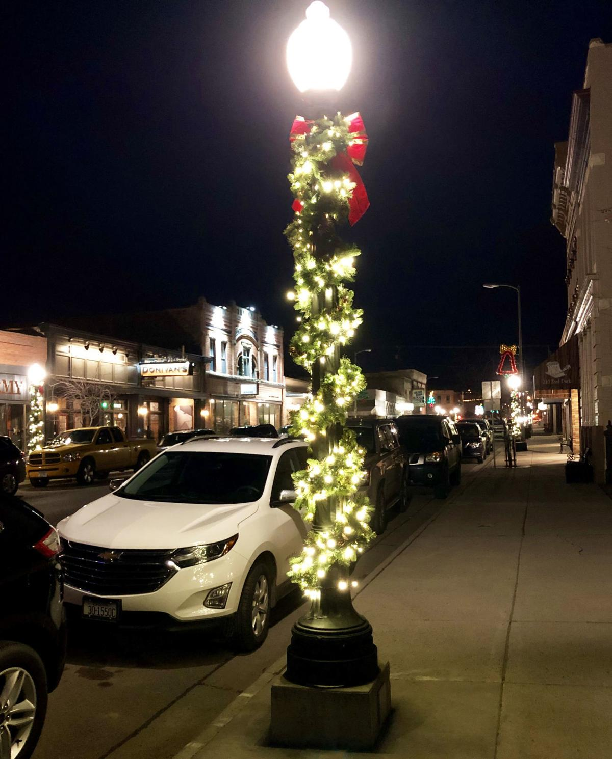 Decorated lamp post