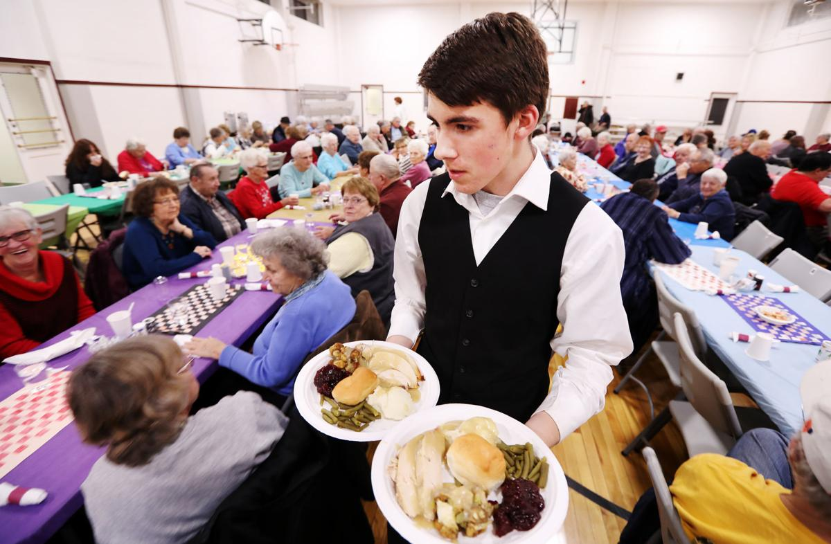 Butte Central students serve annual Thanksgiving dinner
