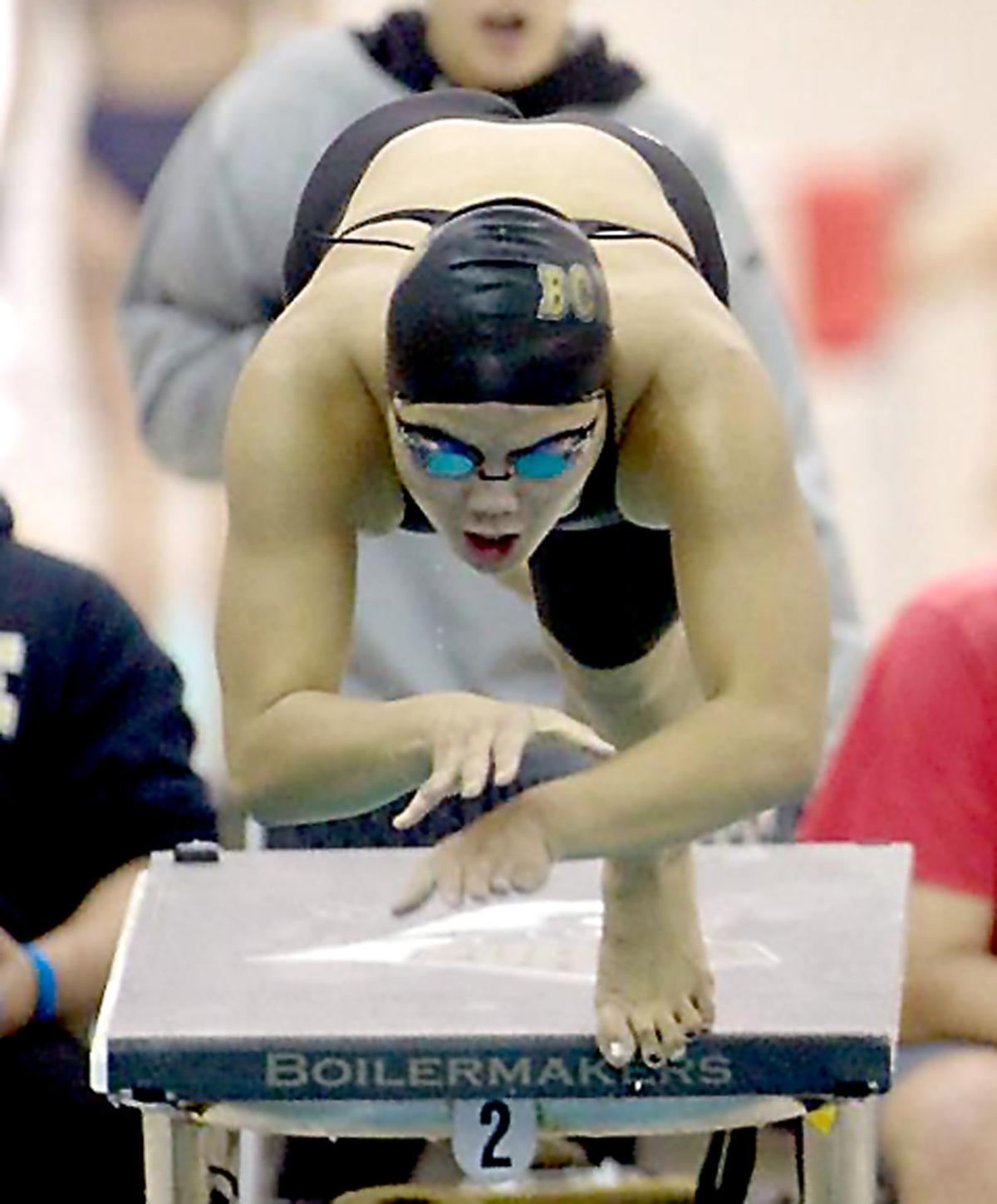 Butte swimming: Lew Yong Gerbrant
