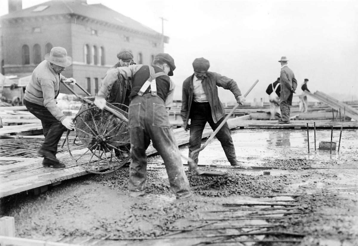 Laying foundation in 1919 Metallurgy Building