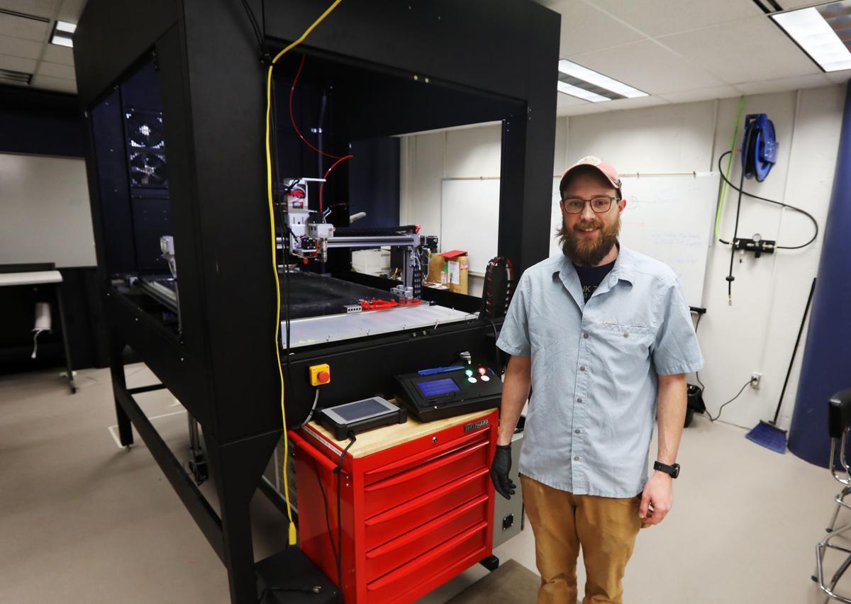 Large scale 3D printer